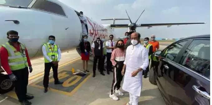 சென்னை திரும்பினார் நடிகர் ரஜினிகாந்த்