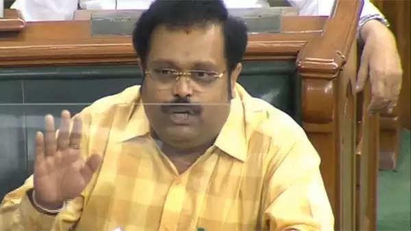 திமுக எம்.பி. கதிர் ஆனந்தை மிரட்டியது யார்?