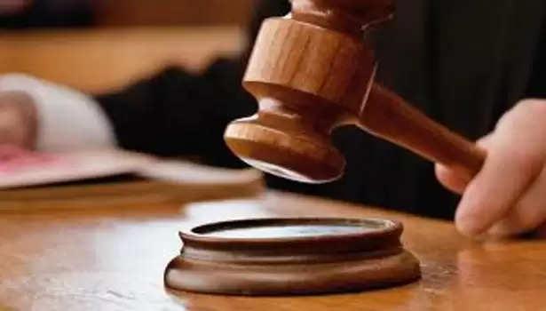 காட்பாடி தொகுதி 'அதிமுக வேட்பாளர்' மீது வழக்குப்பதிவு!