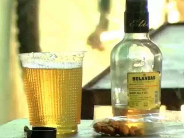 நஷ்டமோ! நஷ்டம்… டாஸ்மாக் பார்களை திறக்க அனுமதிக்கோரி போராட்டம்!!
