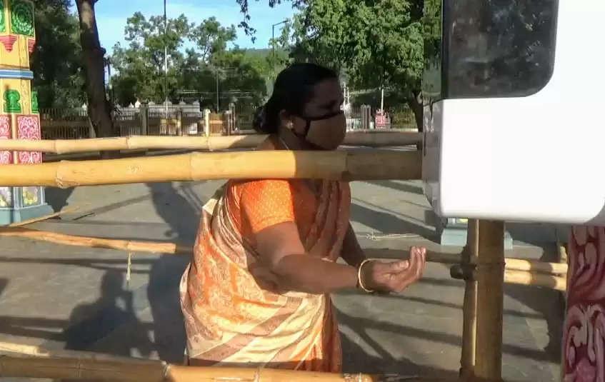 ஈரோடு -158 நாட்களுக்கு பிறகு பண்ணாரி மாரியம்மன் கோவில் நடை திறப்பு