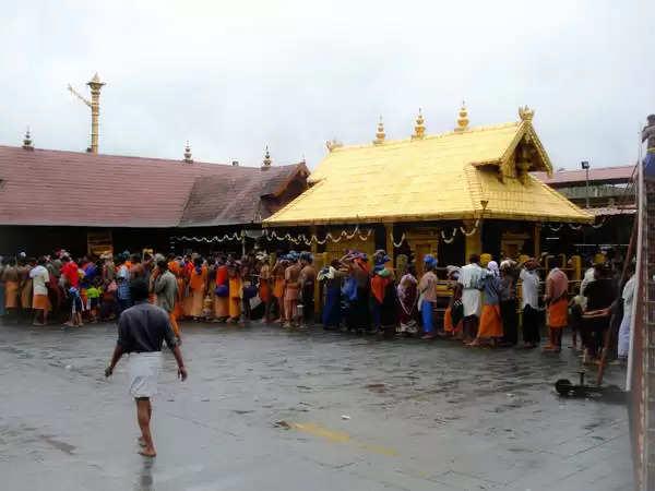 சபரிமலை ஐயப்பன்  கோவில் திறப்பு : கட்டுப்பாடுகளுடன் பக்தர்கள் தரிசனம்!