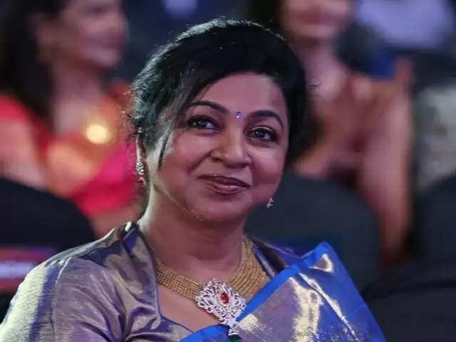 டிவி தொகுப்பாளினியாக அவதாரம் எடுக்கும் நடிகை ராதிகா