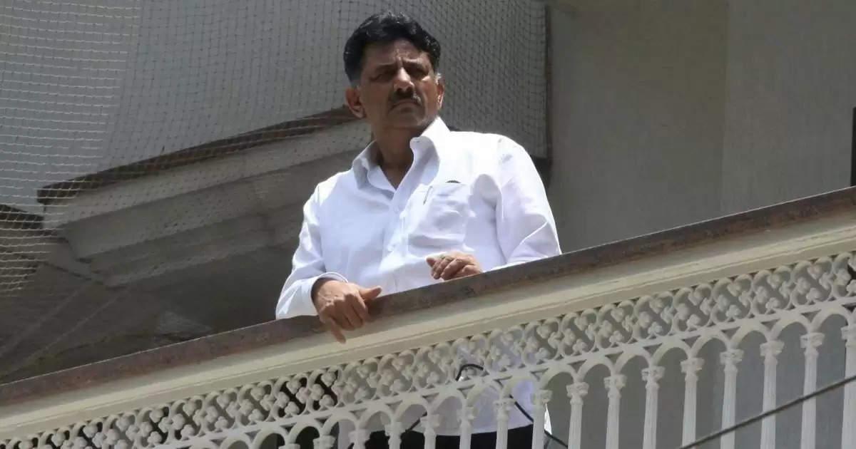 தமிழக அரசு அரசியல் செய்ய வேண்டாம்: டி.கே.சிவக்குமார்