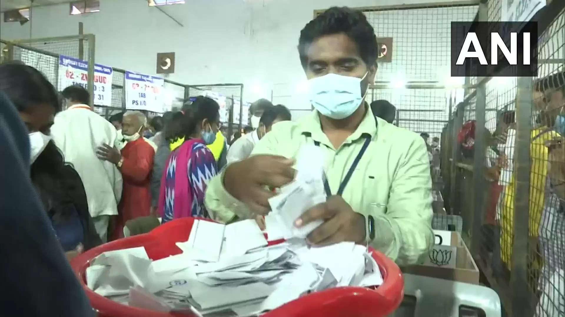 ஹைதராபாத் மாநகராட்சி தேர்தல் : ஆளும் கட்சியை பின்னுக்கு தள்ளிய பாஜக!
