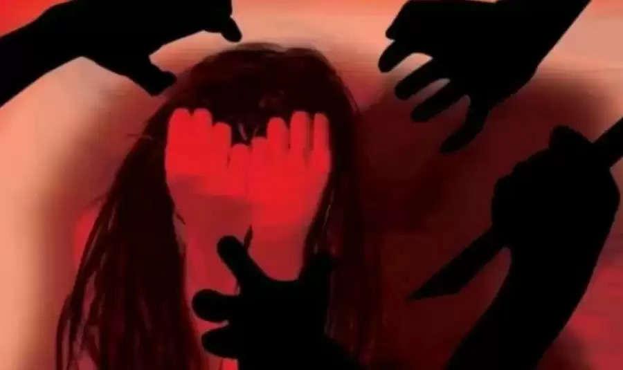 """""""பதினைஞ்சி வயசுலேயே இப்படி பண்றிங்களேடா.."""" -ஸ்கூல் பசங்ககிட்ட சிக்கிய 35 வயசு பெண்"""