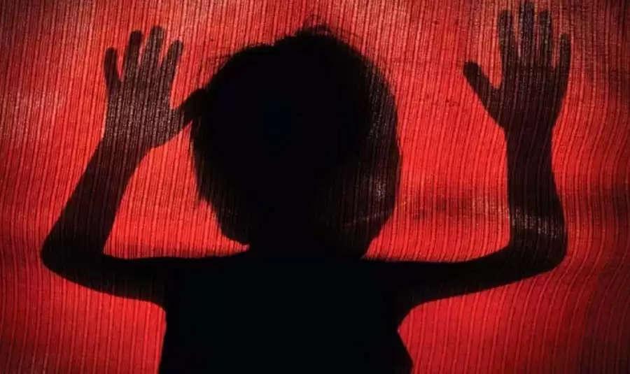 """""""இவன் குறுக்க படுக்கறதால் குஜால் பண்ண முடியலே"""" – தடையா இருந்த பிள்ளைக்கு ஒரு தாயால் நேர்ந்த கதி ."""