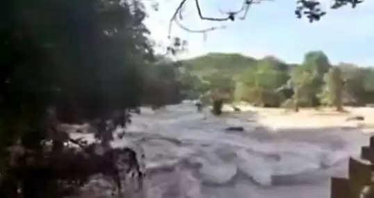 குமரி மாவட்டத்தில் தொடர் மழையால், ஆறுகளில் வெள்ளப்பெருக்கு!
