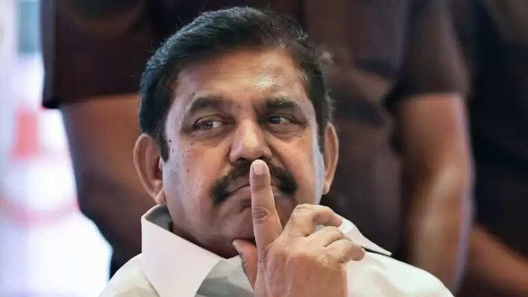 தமிழக அரசியலில் வெற்றிடமே இல்லை! ரஜினிக்கு முதலமைச்சர் பழனிசாமி பதில்!!