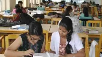 இன்று முதல் ஆன்லைன் வகுப்புகள் :  பேராசிரியர்கள் கல்லூரிகளுக்கு வருகை!