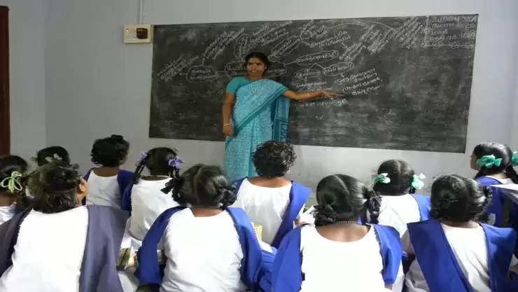 ஆசிரியர்கள் பள்ளிக்கு வர வேண்டாம் – பள்ளிக் கல்வித்துறை அறிவிப்பு!