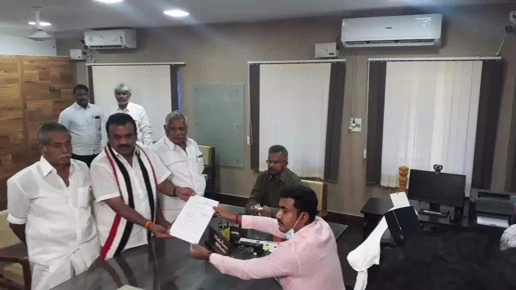 """""""சத்தியமா, நல்ல சாவே சாவமாட்டீங்க"""" பொதுமக்களுக்கு சாபம் விட்ட அதிமுக வேட்பாளர்!!"""
