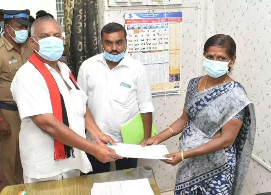 ஈரோடு மாவட்டத்தில் 27 உள்ளாட்சி பதவிகளுக்கு 106 பேர் வேட்புமனு தாக்கல்!
