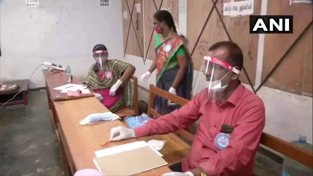 விறுவிறு வாக்குப்பதிவு.. கடந்த தேர்தலை விட 5% குறைவாம்!