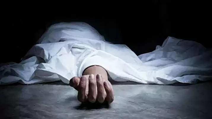 கொரோனாவால் மனைவி இறந்ததால், அதிர்ச்சியில் தனியார் நிறுவன ஊழியர் பலி!